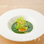 meli melo - エメラルド色のソースが美しい『帆立とホウレン草』