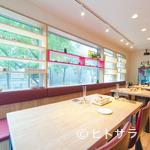 meli melo - 穏やかに食事が楽しめる開放的空間