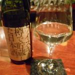 Shu-la-mer - ウイスキー樽で貯蔵した日本酒