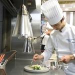ル レストラン マロニエ - ひと目で心奪われる、シェフの世界観が伝わる華やかな盛り付け
