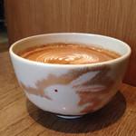 ストリーマー コーヒーカンパニー - 抹茶茶碗にラテ