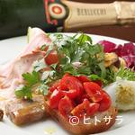 オステリア オルカドーロ - 地元の食材を積極的に使用して仕上げる料理