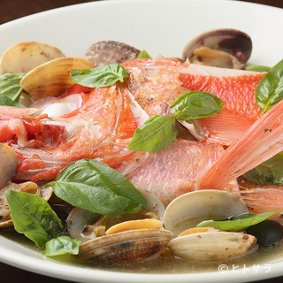 美食家にこそおすすめ、素材のうまみを引き立てる料理の数々