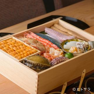 北陸の海の幸を中心に、日本全国の旬の旨い食材を絶品の鮨ネタに