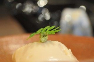 空 - 胡麻豆腐。  もちもちの食感です。
