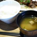 バルザルR30 - ご飯・味噌汁