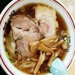 新月  - ワンタン麺 750円