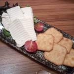 66113968 - クリームチーズの酒粕漬け クラッカー添