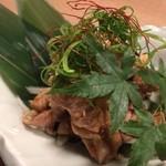 地鶏専門個室居酒屋 官兵衛 - 鶏せせりのおろしポン酢~前菜に彩りを添える爽やかな逸品~