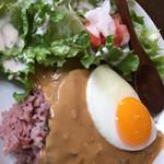 66120117 - 【特製ロコモコプレート】ハンバーグ/自家製グレービーソース/目玉焼き/黒米入りライス/サラダ