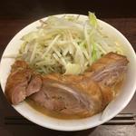 零一弐三 - ラーメン¥810+豚¥120+野菜マシ