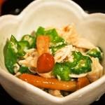松吟庵 - 蔵王豚の角煮つけ蕎麦 定食(小鉢②:ささみ入りネバネバ)