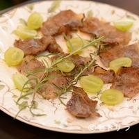 小江戸カントリーファームキッチン - ワインとの相性が抜群な『ぶどう牛の炙りステーキ』
