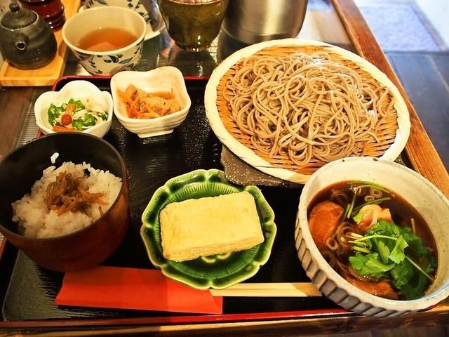 松吟庵 東三国店 - 蔵王豚の角煮つけ蕎麦 定食
