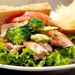 チキン&野菜5種サンド