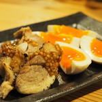 炭焼 鶏たか - 煮卵&鶏チャーシュー、粒マスタード