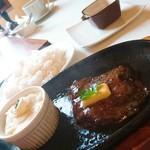 Hawaiian STEAK - サイドメニュー追加しなかったら、お肉しかお皿には無い状態(^^ゞ
