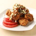 キリンガーデン - ジューシーなから揚げを黒酢と香味野菜で仕上げた特製ソースで絡めました。