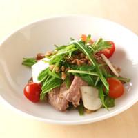 キリンガーデン - 旬の京野菜とローストビーフに甘みのある茹で麦芽を加えたサラダ。
