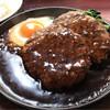 METZ - 料理写真:18ホール 200g ハンバーグ2枚 600円。
