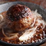 肉屋 弘商店 - お肉の甘みととろけるような食感を味わう『和牛ばくだん』
