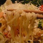6614605 - 日替り麺のランチ「海鮮塩焼きそば、春巻」(790円)~海鮮塩焼きそばの麺