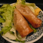 6614606 - 日替り麺のランチ「海鮮塩焼きそば、春巻」(790円)~春巻
