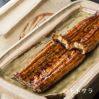 うなぎ 小林 - 全国各地から取り寄せ、丁寧に仕上げた『天然鰻の蒲焼』