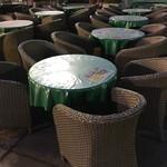 川口そごう屋上ビアガーデン サッポロビール 川口ビール園 - 丸テーブルも椅子を新調♪