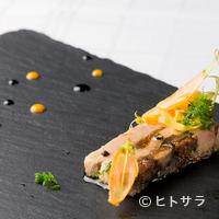 レストラン エスカリエ - 絶妙な食感が魅力『フォアグラとセミドライイチジク テリーヌ』