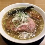 麺屋 つるる - 料理写真:塩ラーメン 650円