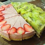 Happy likeaHONEYBEE - 苺たっぷりロータルト、キウイとバナナのフローズンタルト