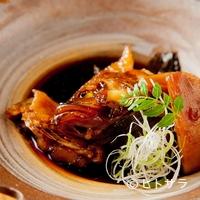 旬魚処 海蔵 - 魚の種類によって煮付け方を調整する。この日は『あこう煮付』