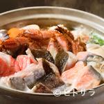 彬 - 魚介がたっぷり、贅沢の極み『海鮮よせ鍋(うどん入り)』(4人前)