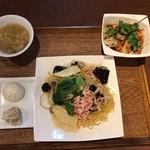 WANG'S GARDEN - 海老と春野菜のあんかけ塩焼きそば