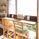 茶蔵坊 - 心地よい距離感が保て、お客様やスタッフとの談笑も楽しめます