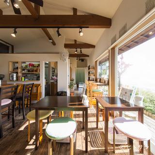 フラットな自分になれる空間が特長の心温まるカフェ