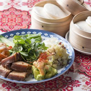 【全40種以上】アジア各国の料理を、小皿で少しずつ。