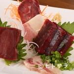 喜八 - 希少部位の刺身やベーコン、ユッケなどの珍しい鯨料理