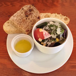 ぴちぴち金魚 - セットの フォカッチャ サラダ オリーブオイル