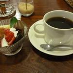 menu - 苺のソルベ&コーヒー