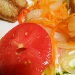 ブラッスリーオザミ丸の内 - トマト甘い