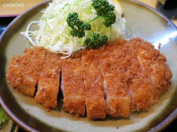 丸和 - ロースかつは肉が250gくらいのボリューム