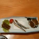 民宿 屋久島 - 料理写真:ごぼう、きびなご、とこぶし