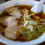陽かろう - スープは豚ですが、鯖節の風味が強い