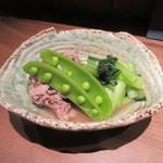 手打ちそば やっ古 - 「牛肉と小松菜の炊き合わせ」