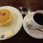 珈琲 天国 - ホットケーキセット