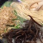 博多三氣 - 麺は こんなんです 福岡県産ラー麦100%使用