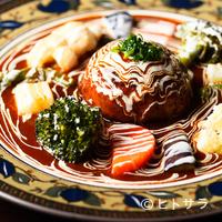 シチューとカレーの専門店 銀座 古川 - 美しい盛りつけに心が躍る『ハンバーグステーキ・シチューソース』