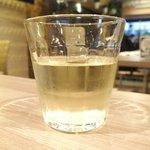 66182634 - 週替わりミートプレート 1000円 の白ワイン